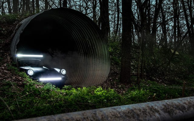 Hình nền Safari Porsche 911 tuyệt vời đến kỳ lạ của bạn đang ở đây