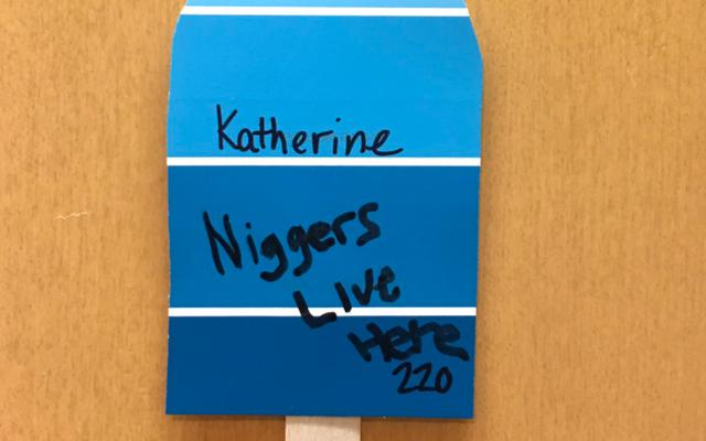 Westfield State U indaga dopo che uno studente sostiene che un messaggio razzista è stato scritto sulla sua porta