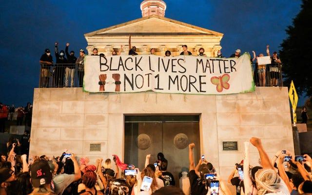 Tennessee uchwala prawo, które ukarze protestujących, pozbawiając ich prawa do głosowania