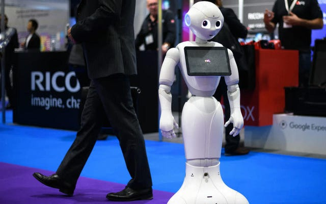 Une étude révèle que les humains sont même racistes envers les robots
