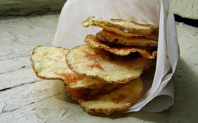 Chrissy Teigen ने DIY Jalapeño Chips के लिए कोड क्रैक किया है