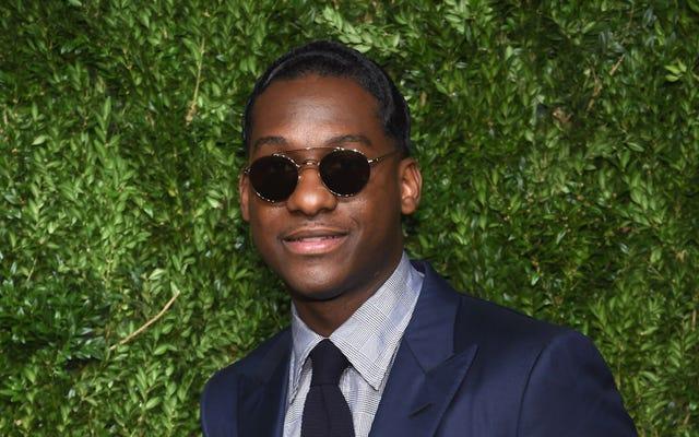 Un bon look: le chanteur Leon Bridges collabore sur une collection de lunettes de soleil en édition limitée