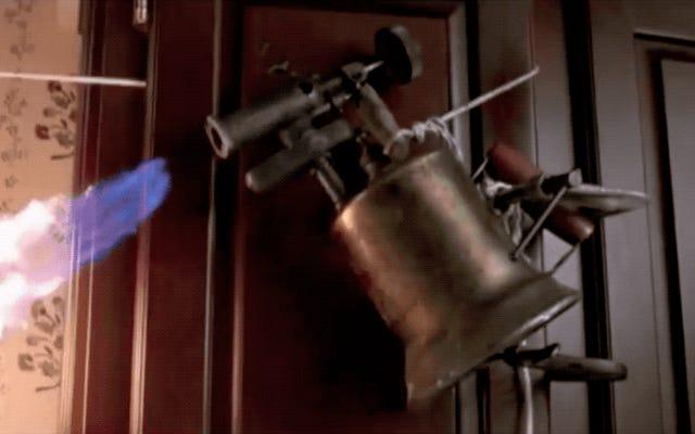 Ryan Reynoldsは、理にかなっている唯一のHome Aloneの続編を考え出しました:Smoked at Home