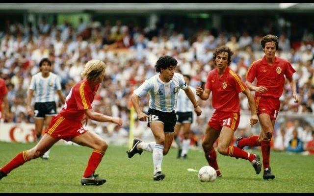 Veamos algunos momentos destacados de Diego Maradona sin una buena razón