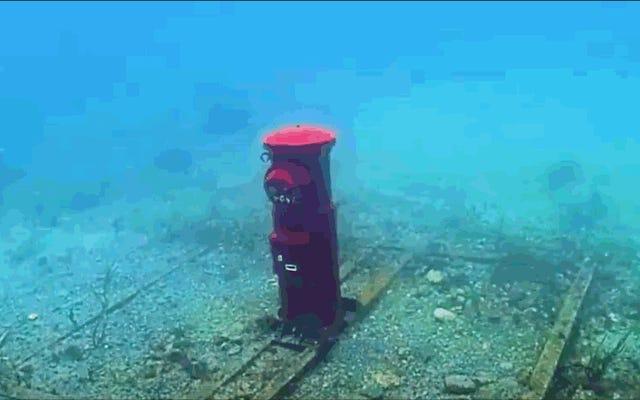 日本が10メートルの水中に完全に機能するメールボックスを持っている理由