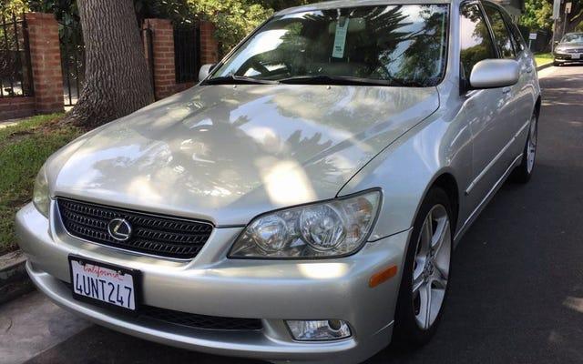 6,999달러에 이 2002 Lexus IS300 SportCross가 다음 Nexus가 될 수 있습니까?