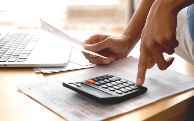 Elija un plan de pago de préstamos para estudiantes con esta calculadora