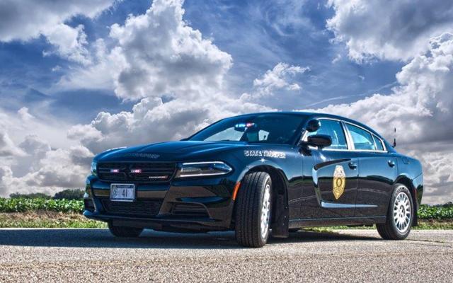 ชายฟลอริดาขโมยรถตำรวจนำไปสู่การไล่ล่า 100 ไมล์ต่อชั่วโมงขณะใส่กุญแจมือ
