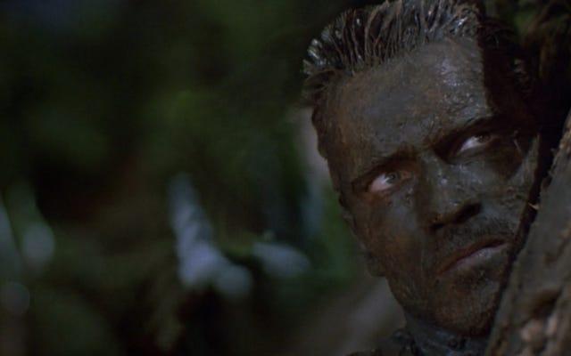 Predator เก่งมากเพราะเป็นแรมโบ้ แต่กับเอเลี่ยน