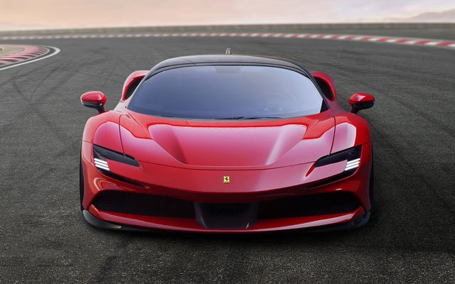 フェラーリSF90ストラダーレは986HPと全輪駆動を備えています