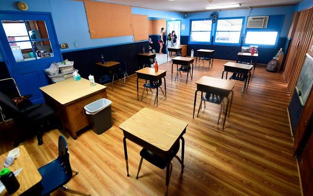 CDC đang chính thức khuyến nghị mở lại trường học, đúng như yêu cầu của Trump