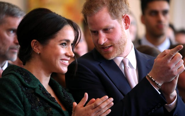 Itu anak laki-laki! Pangeran Harry Mengonfirmasi Meghan Markle Telah Melahirkan Seorang Putra