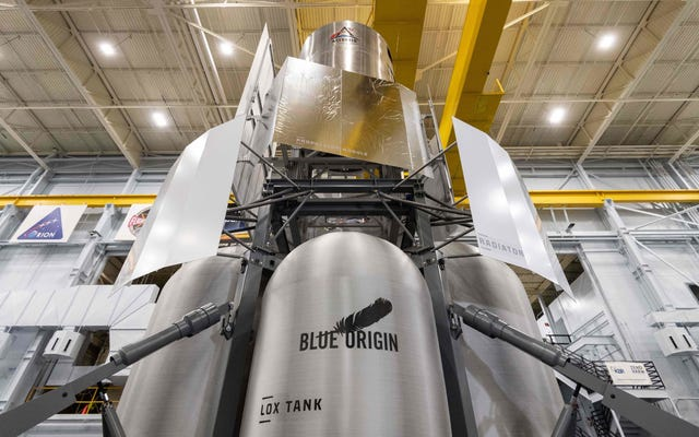NASAの新しいおもちゃをチェックしてください:ブルーオリジンの月面着陸船の実物大のレプリカ