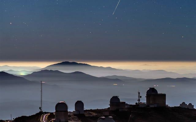 Ten oszałamiający pojedynczy obraz zaciera granicę między Ziemią a kosmosem