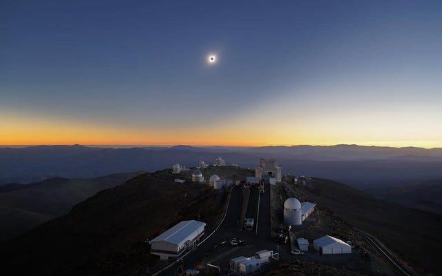 कल के सूर्य ग्रहण के सबसे अच्छे चित्र