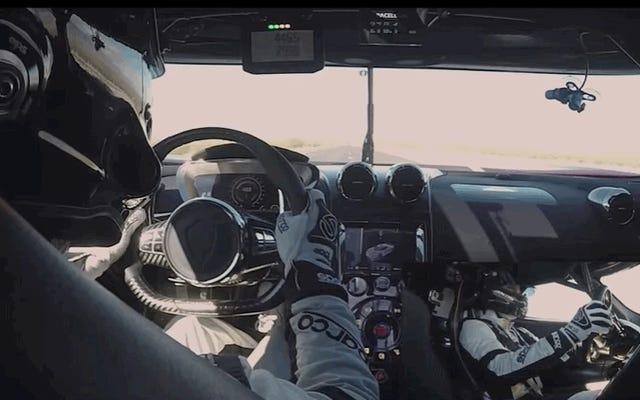 Hier ist mehr Filmmaterial von Koenigseggs 284 MPH-Lauf in Nevada
