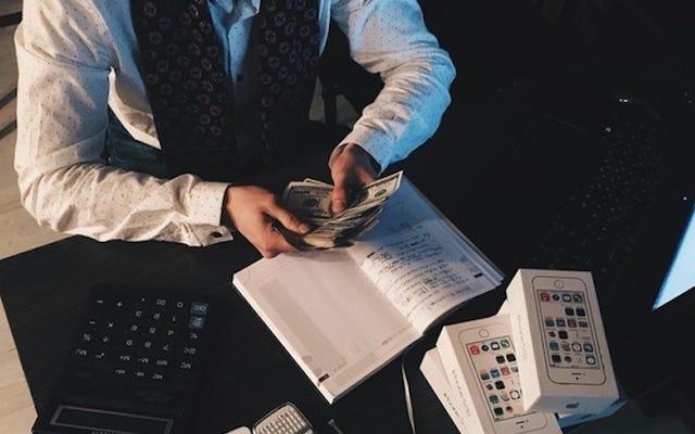 Berapa Banyak Uang yang Harus Disisihkan oleh Freelancer untuk Menghindari Denda Pajak