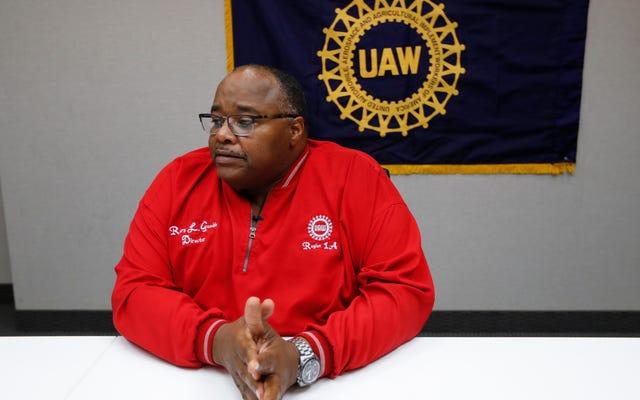 UAW Mengancam Untuk Pergi ke 'Level Berikutnya' Setelah Meminta Pembekuan Pabrik Selama Dua Minggu