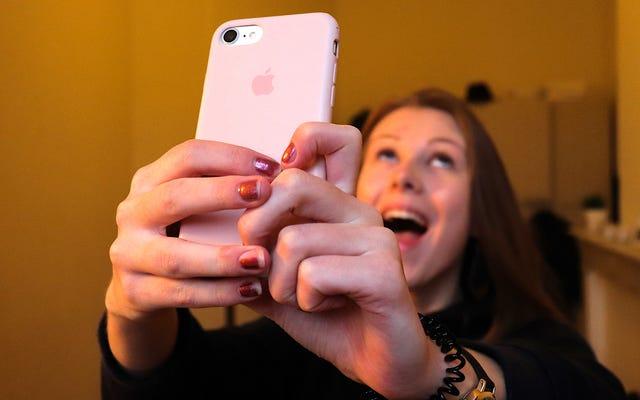 Il est temps d'enterrer les selfies funéraires pour de bon