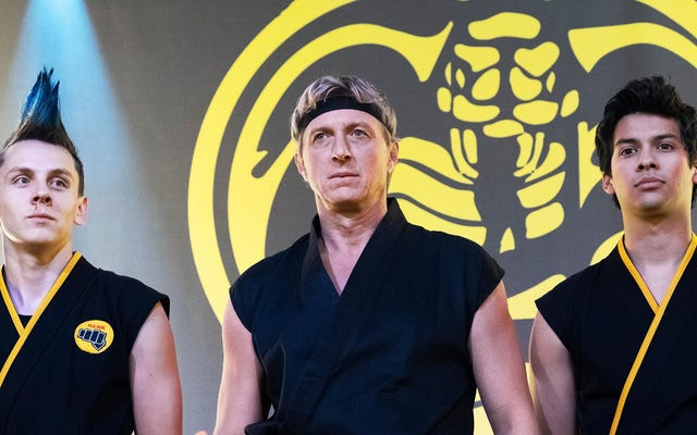 Zwiastun sezonu 2 Cobra Kai jest wypełniony nowymi i starymi dziećmi karate