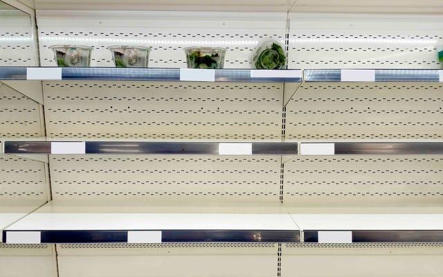 ポートランドの食料品店は、大吹雪の前にケールを使い果たします