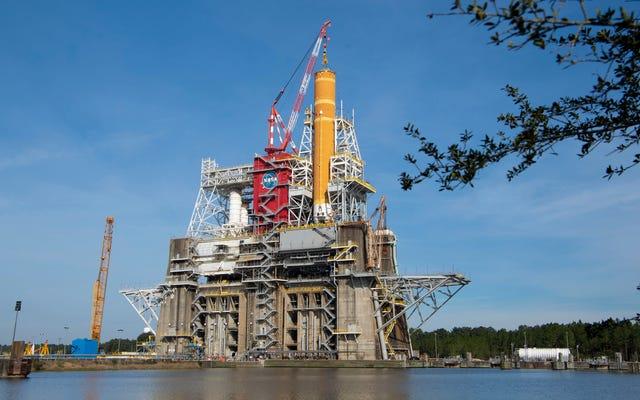 La NASA termine la `` répétition en tenue humide '' de sa fusée la plus puissante