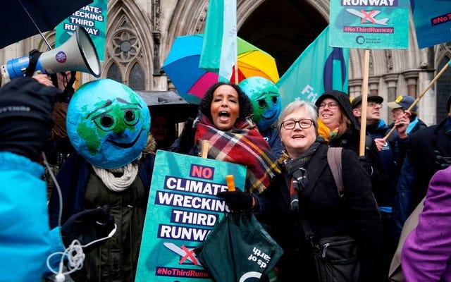 世界の化石燃料インフラに亀裂が現れ始めている