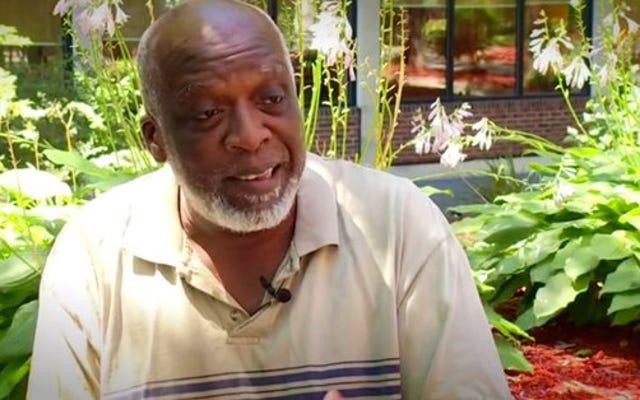 人種差別主義者の顧客に立ち向かうためにホームデポから解雇された黒人男性は彼の仕事を提供しました、しかし彼はもはや興味がありません