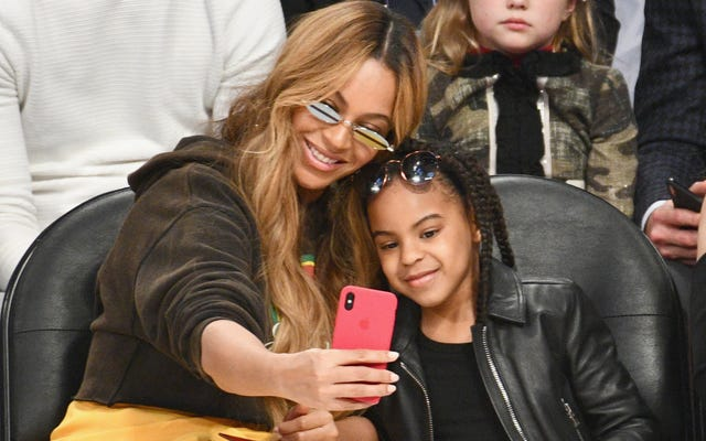 Mommy and Me:BeyoncéとBlue Ivy Go for the Gold at the 2018 Wearable Art Gala