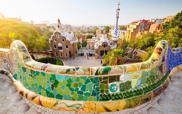 """Barcelona ogłasza """"chronione miejsca"""" 11 kultowych winiarni"""