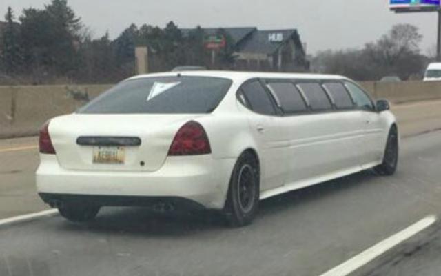 Sachez simplement qu'il y a une limousine Pontiac Grand Prix dans les rues du Michigan