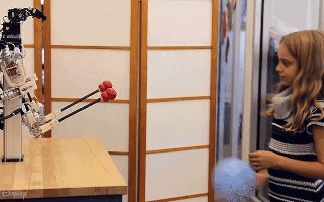 ディズニーの新しいテレプレゼンスロボットは非常に正確で、針を通すのに使用できます