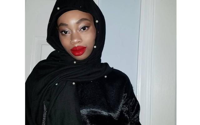 Teología del labio rojo: toda hermana merece ser una maravilla
