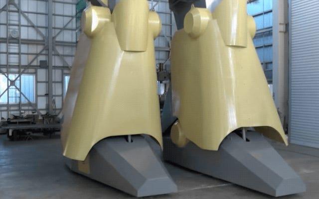 Japonya'nın son dev robotu 30 fit boyunda bir canavar