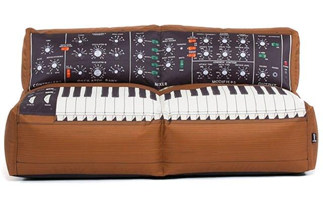 このミニモーグソファから来る唯一の音はいびきになります