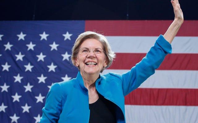 Elizabeth Warren vuole ricordarci chi è
