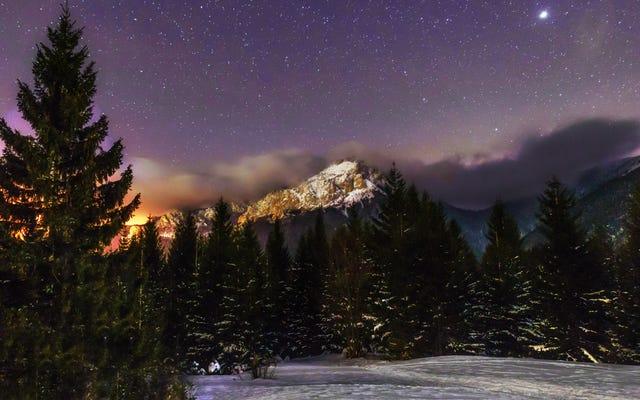 月を使って星の「冬の輪」を見つけましょう