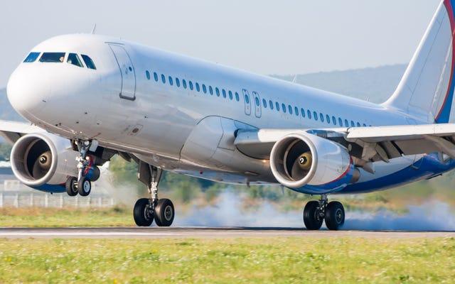 飛行機の車輪が滑走路にぶつかったときに爆発しないのはなぜですか?