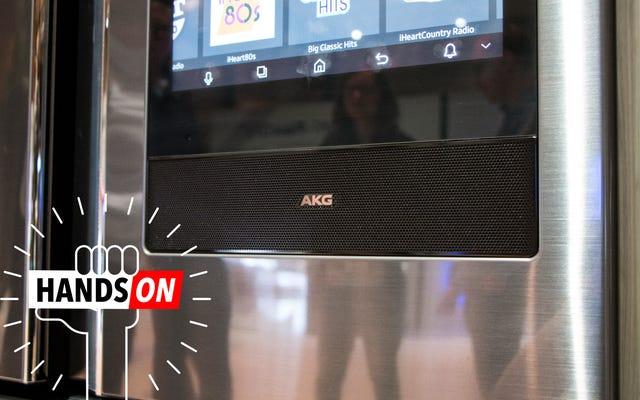 Samsung, Buzdolabına Büyük Bir AKG Hoparlörü Koydu ve Garip Bir Şekilde Harika