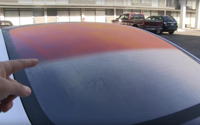 テスラモデル3のガラス屋根が時々オレンジ色に見える理由はここにあります