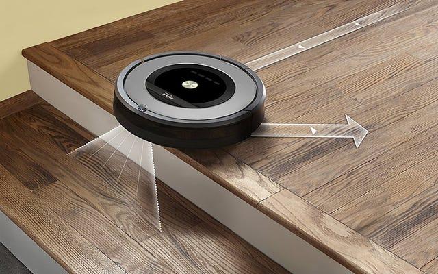 この改装されたルンバの取引で床をきれいにするために家に帰ってください