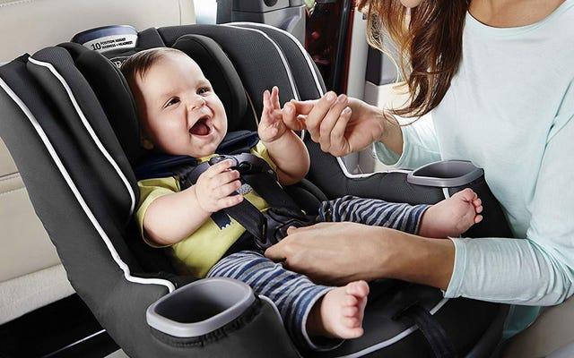 I migliori seggiolini per auto per ogni fase della vita di tuo figlio