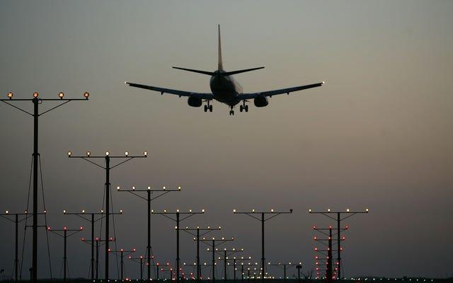 飛行機のMAGA嫌いな人になると、すぐに35,000ドルの罰金が科せられる可能性があります