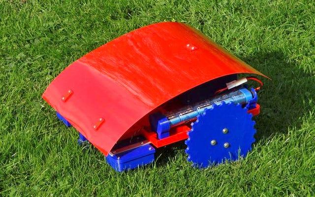 यदि आपके पास एक 3D प्रिंटर है तो आप स्वयं को एक सस्ता रोबोटिक लॉन घास काटने की मशीन बना सकते हैं