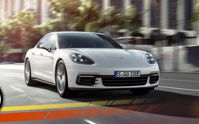 2018 Porsche Panamera 4 E-Hybrid, Kendi Ağırlığı Altında Parçalanan Bir Teknoloji Santrali