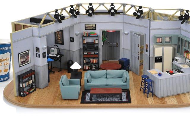 $400 के लिए आप सीनफेल्ड के अपार्टमेंट की एक निर्दोष रूप से विस्तृत छोटी प्रतिकृति के मालिक हो सकते हैं
