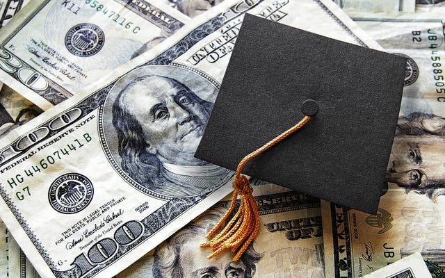 ¿Debería pagar préstamos estudiantiles o ahorrar para la jubilación mientras los intereses están congelados?