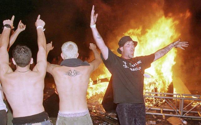 Nó đã kết thúc: Woodstock 50 bốc lên trong khói