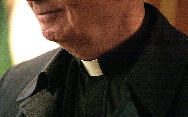 カトリック教会は、司祭がたくさん動き回っている限り、児童虐待で明らかに大丈夫です