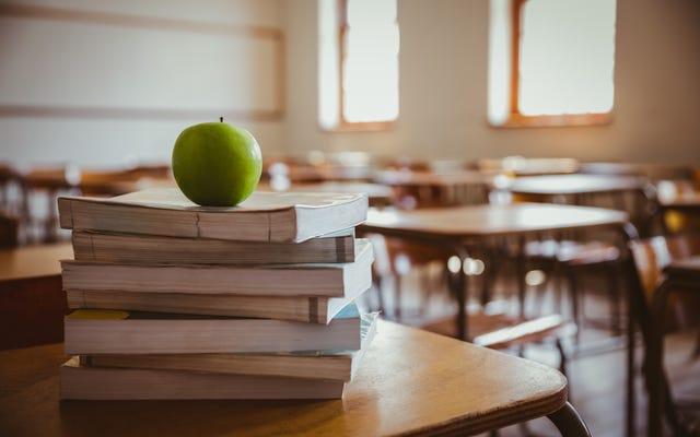 Hệ thống Trường học Quận Fulton đóng cửa Sau khi Xét nghiệm Nhân viên Dương tính với Coronavirus